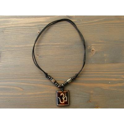 CT05 Collier Tibétain Symbole Om