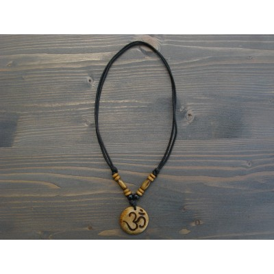 CT22 Collier Tibétain Symbole Om