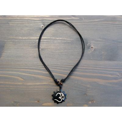 CT24 Collier Tibétain Symbole Om