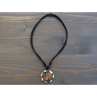 CT29 Collier Tibétain Symbole Om