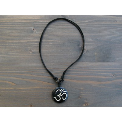 CT30 Collier Tibétain Symbole Om