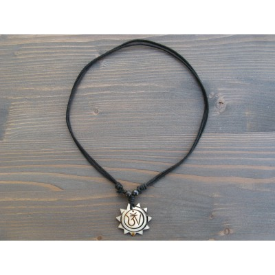 CT43 Collier Tibétain Symbole Om